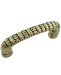 3-Inch Ribbed Pull in Satin Antique Brass